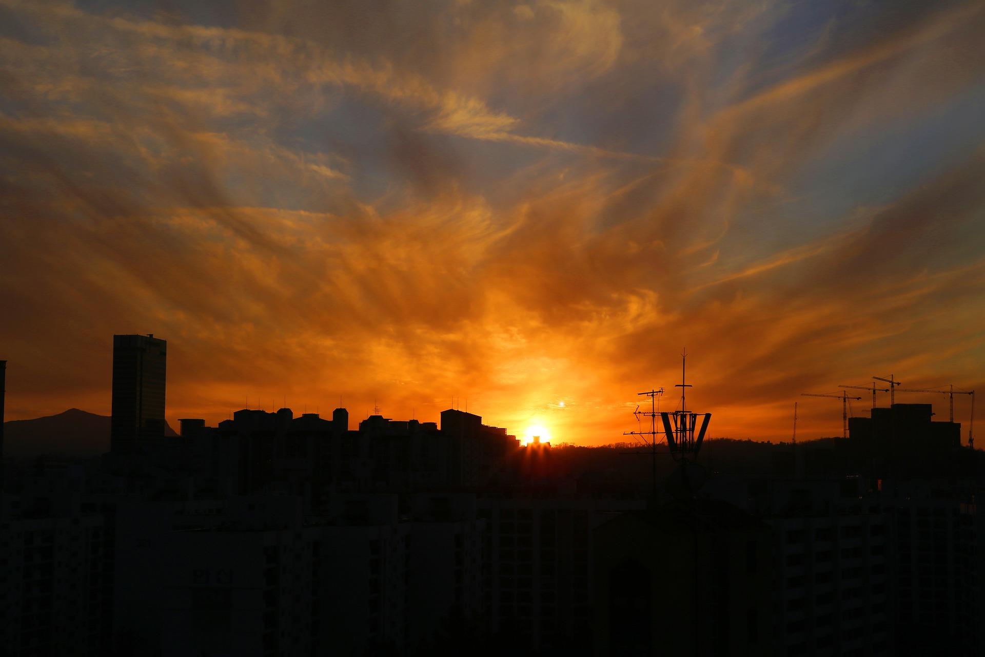 sunset-5024499_1920.jpg